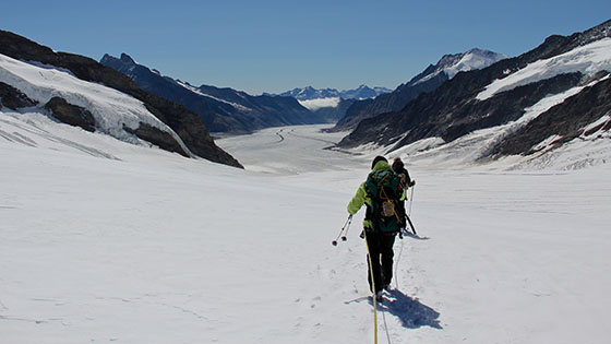 Hiking down the Jungfraufirn   towards Konkordiaplatz